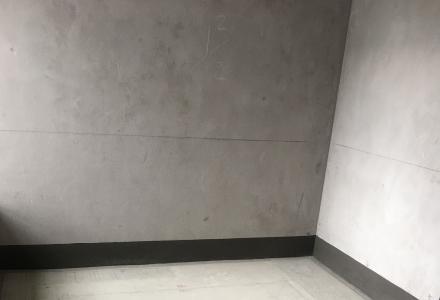 急售!中隐路清华园3楼电梯房清水房4房2厅2卫123平130万2017年建