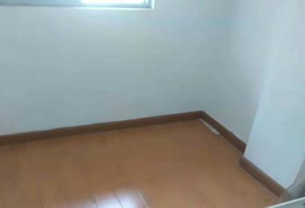 出售中心广场社工巷2房1厅55平米75万