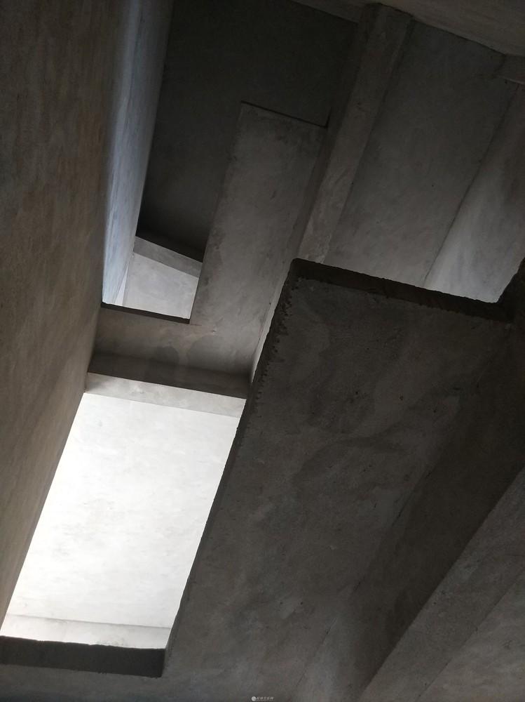 好房出售!水岸新城,中心楼王高层电梯顶层复式楼送露台阁楼79万