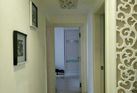万福广场旁边 御林湾精装房 电梯 7楼3房2厅2卫