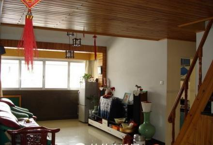 桂林市中心2房2厅加一层阁楼.榕小.市局.机关大院旁