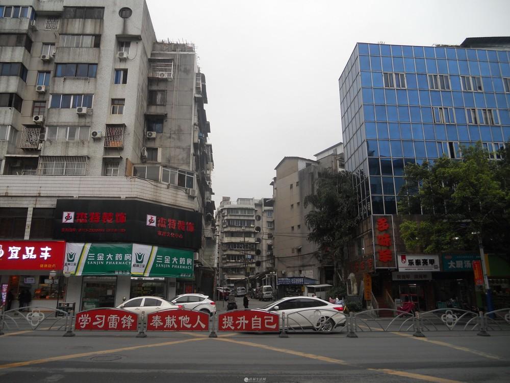 市中心丽君路好又多超市后面四楼空调大一房一厅一卫租900元