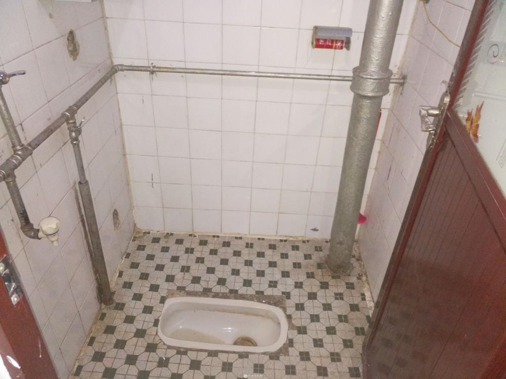 清风小区4楼2房1厅房子出售