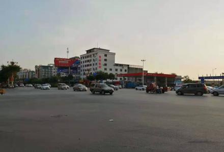 七彩花园北区当街双开商铺83平166万个