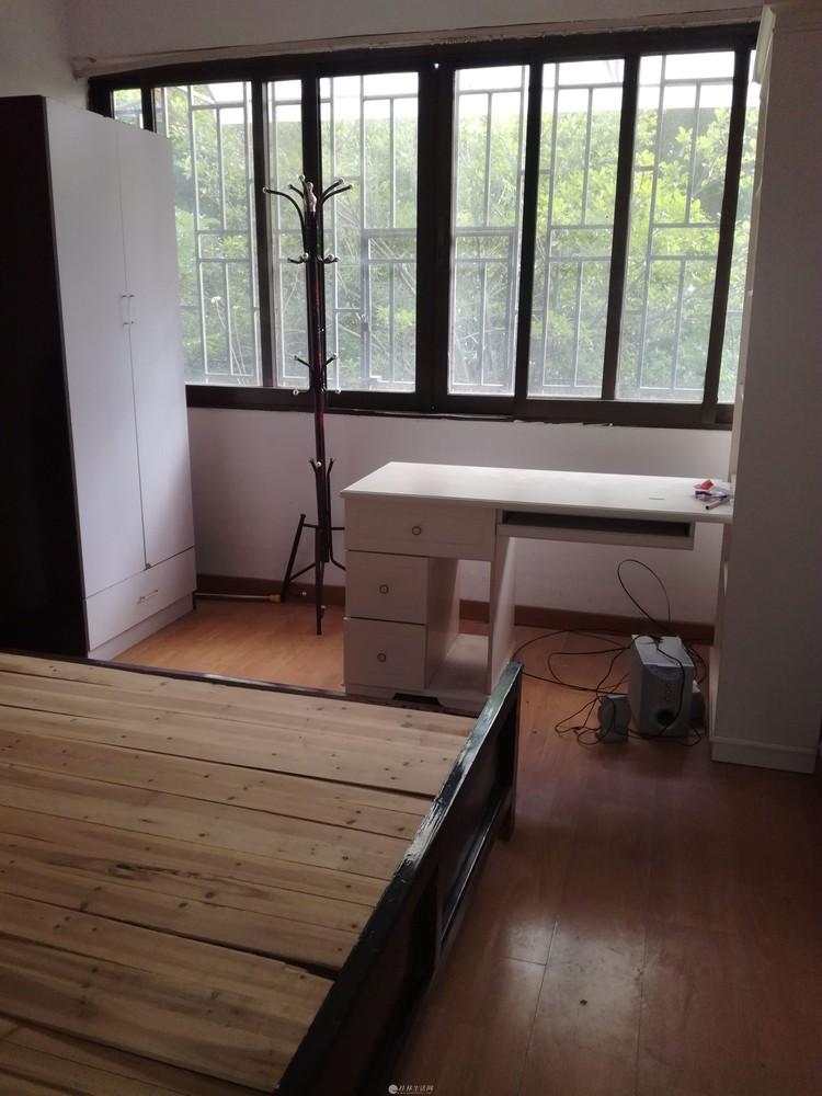 整租:解放西路桂中对面两房一厅每月租金1600元