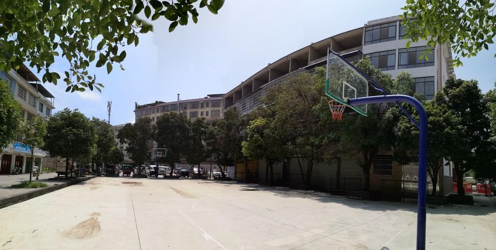 临桂中学复兴小学边、虎山路旁5层自建房整栋出租