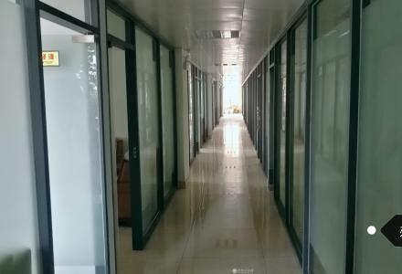 原香江国际广场-超低租金临街店铺-两层楼配地下室配停车场有豪华装修