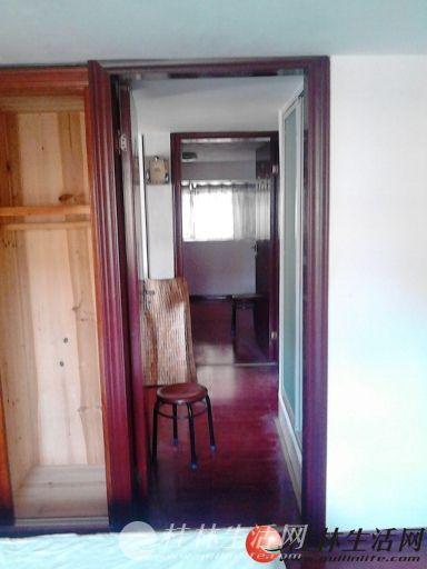 A七星区 北大公馆电梯3-4层复试精装3房89平+车库出售