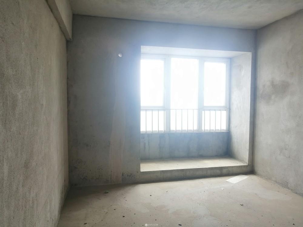 叠彩区 阳光叠彩 137平 4-2-2卫 只卖93万电梯房 毛呸