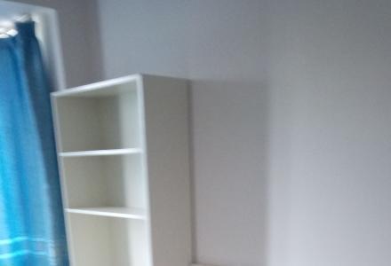 时代枫林小区,三房一厅,家俱配套齐全,拎包入住,出租