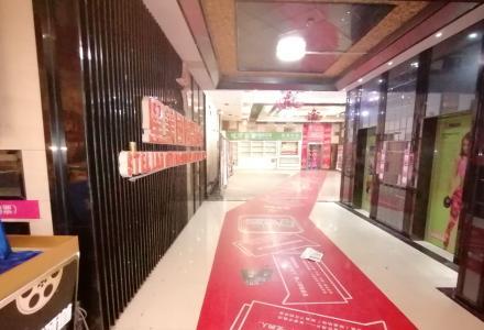 沃尔玛商圈商贸城四楼写字楼5280平2380万年租188万