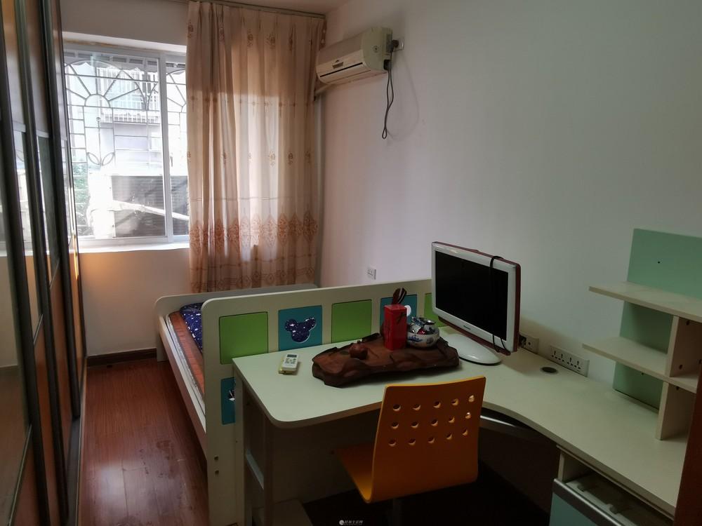 民主小学逸仙中学旁万寿巷3室2厅出租