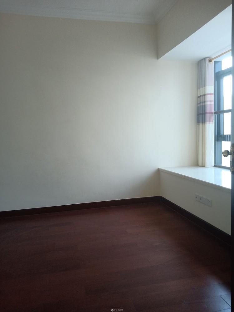 恒大广场90平米精装房