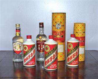 桂林市高价回收茅台酒,五粮液,冬虫夏草陈年老酒,红酒  法国红酒