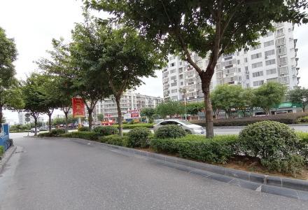 八里五路与桂黄路交叉口当街旺铺105平200万月租6800/月