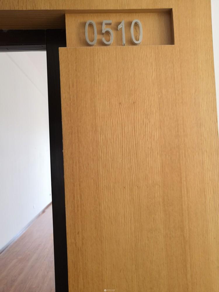 出租临桂花样年花生糖五栋B座五楼10—11号小复式公寓已装修