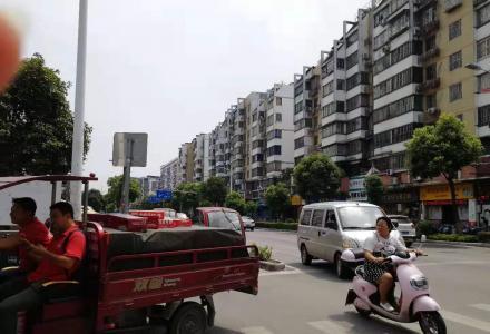 东安街当街整栋9层4142平3000万月租12万