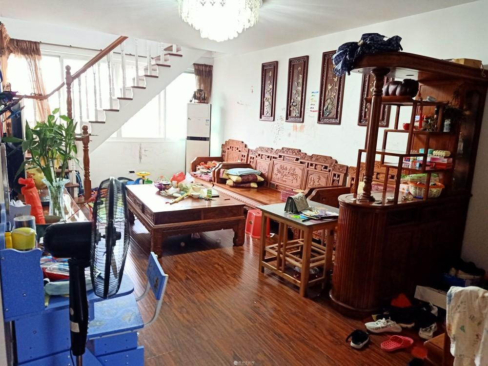 叠彩区 中山北路 回龙小区 145平3房2厅1卫59万 复式楼 送红木家具家电