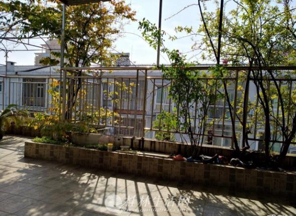 八里街聚福苑小区4房两厅两卫1阳台,精装,150平,54万