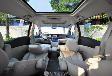 私家车别克3.0GL8旗舰版7座豪华商务车