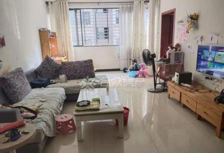 青青家园 3室2厅1卫 3房都很大,户型方正采光好