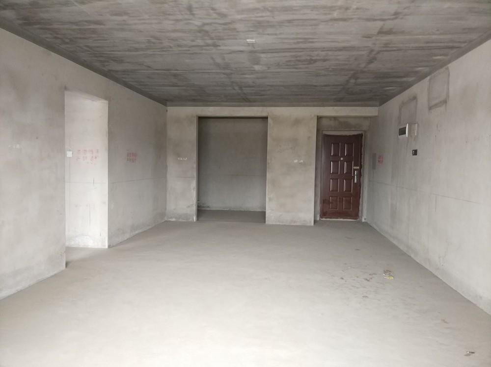新小区!南洲一号电梯145平米大三房两厅两卫69万