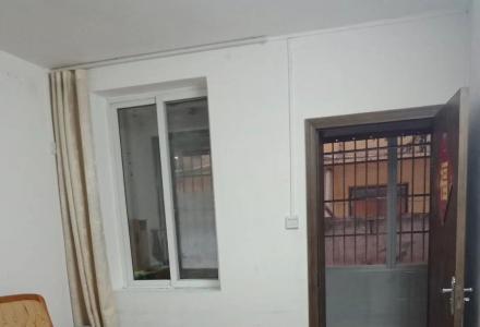 出租,鸾西一区,2房1厅1卫,68平米,1楼,1500元/月