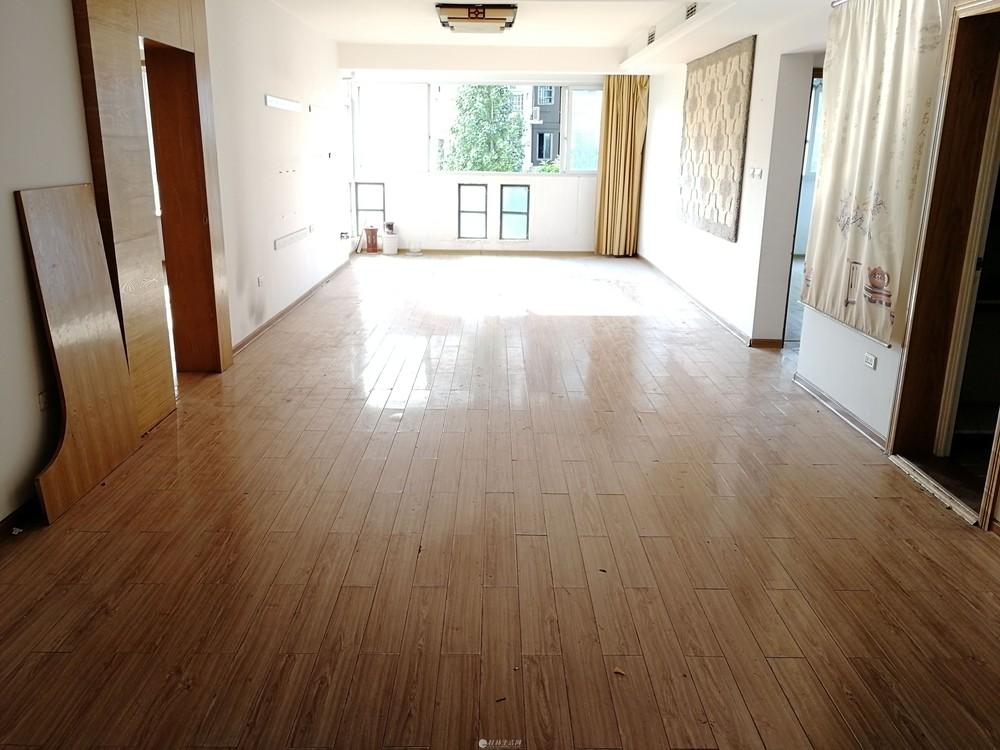 H龙隐小学,景韵世家,电梯,3房2厅2卫,超大客厅,131平115万,七星区三里店