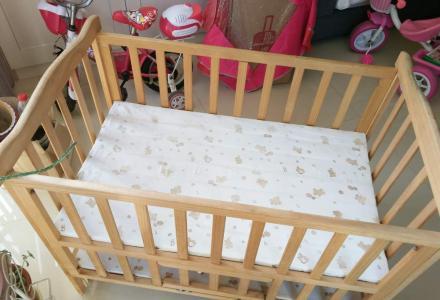 没用几次非常新的双层婴儿床转让~!!