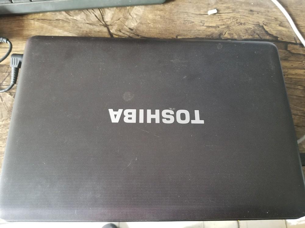 低价转让东芝I3笔记本电脑。送小音响。
