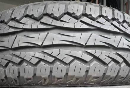 回收7成新以上二手小车轮胎 (价格:面议)