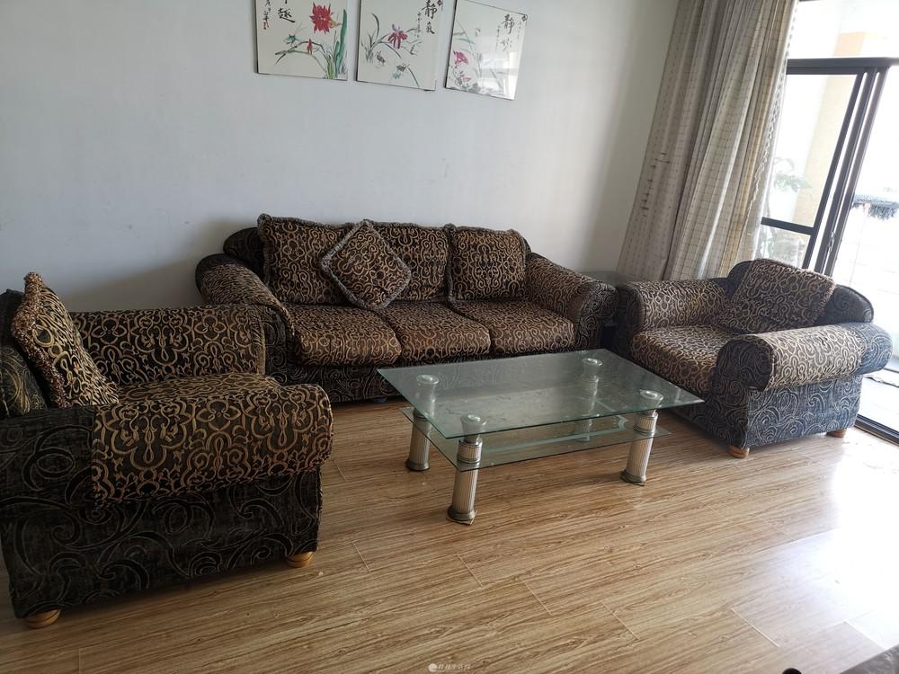 因房子卖了,沙发、电视柜、玻璃茶几、玻璃餐桌、衣柜、电热水器、冰箱等家具家电处理