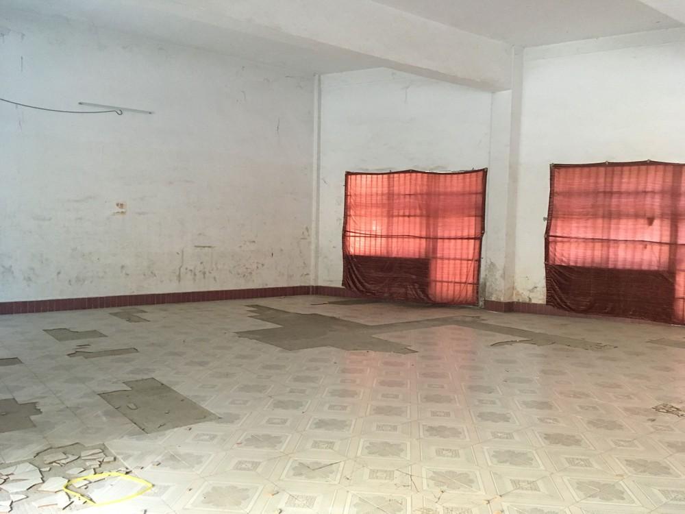 甲山路红星化工总厂220平仓库出租