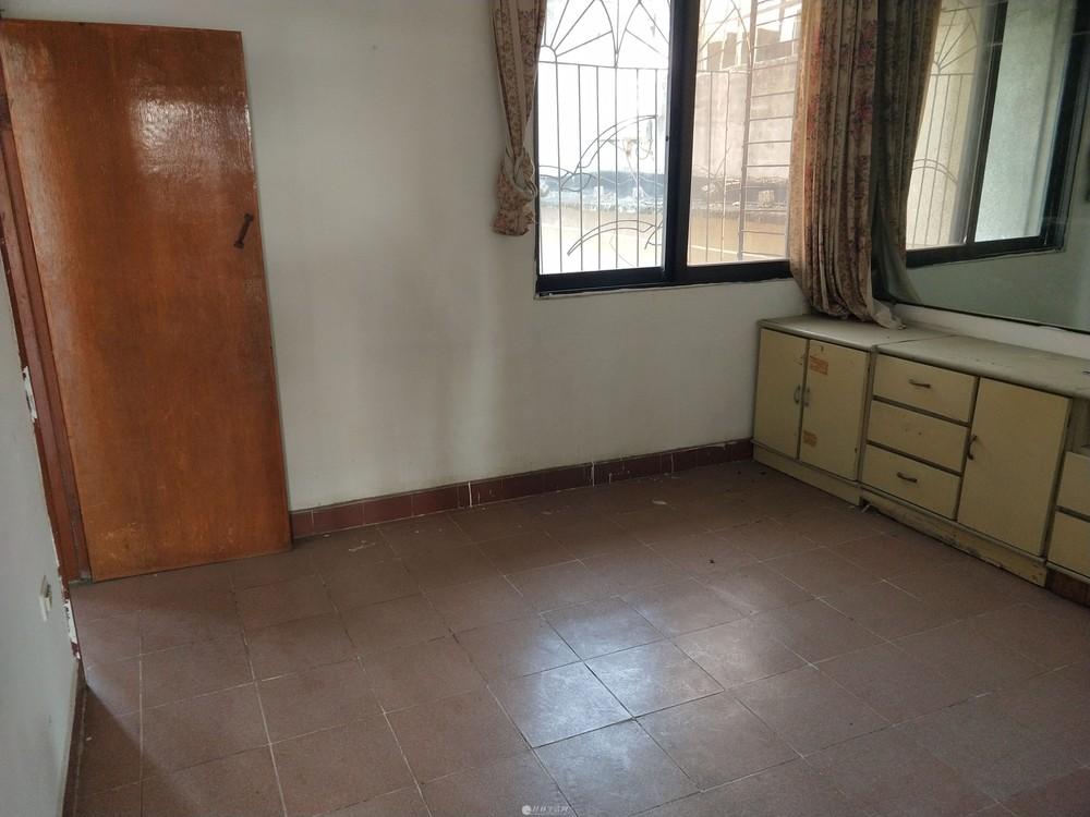 秀峰三皇路物资局宿舍2房1厅1卫双学区房出售