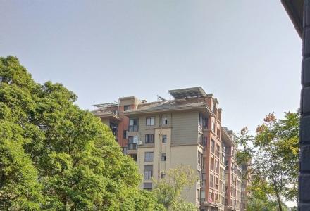 C清华园清水电梯三房 三面采光 榕湖分校。92平仅售90万