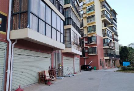 非中介 联达广场旁长廊居小区 四房两厅两卫,2楼 200平米 2015年建豪华装修