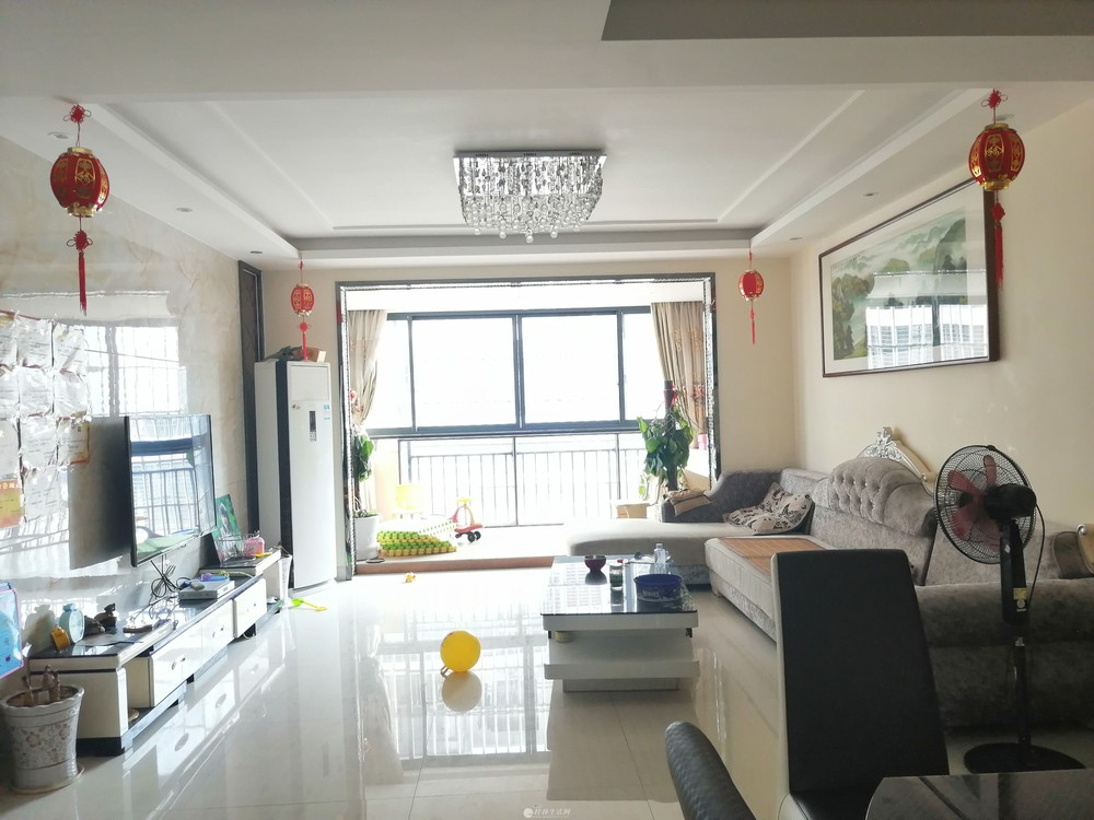 临桂新区 金水路 南城百货旁 大龙新天地 精装修3房双阳台带入户花园