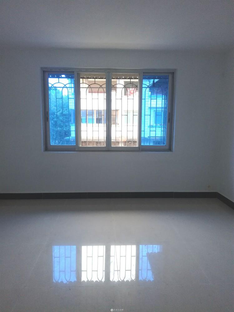 出售桂湖小区步梯四楼3房1厅1卫87平米88万