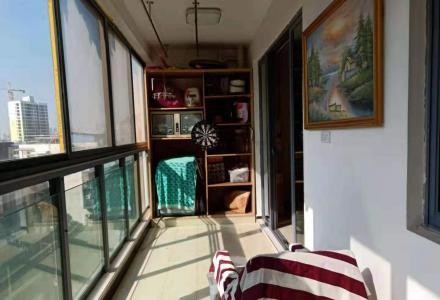 急售!临桂区金水路南城百货旁香樟林精装大3房60万 超大阳台 南北通透,拎包入住。