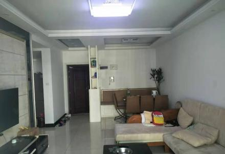 临桂区金水湾及第苑电梯两房一口价42万,精装自住,家电家俱很新全送,拎包入住