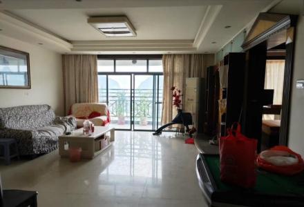 交通便利停车方便,上海路枫丹丽苑电梯11楼,3房2厅2卫2阳台,151平米,精装家电家具