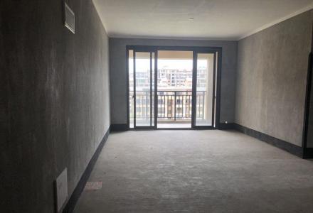 彰泰花千树电梯11楼,12楼复式,5房3厅3卫,实用180平 产权97平 清水 135万