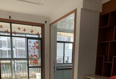 临桂区山水凤凰城电梯5楼,3室2厅2卫,空房,精装修,附实图