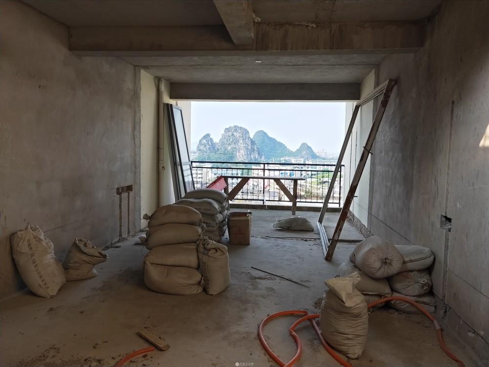 芦笛小学 华鼎幸福里顶层电梯复式4房 114平80平大露台