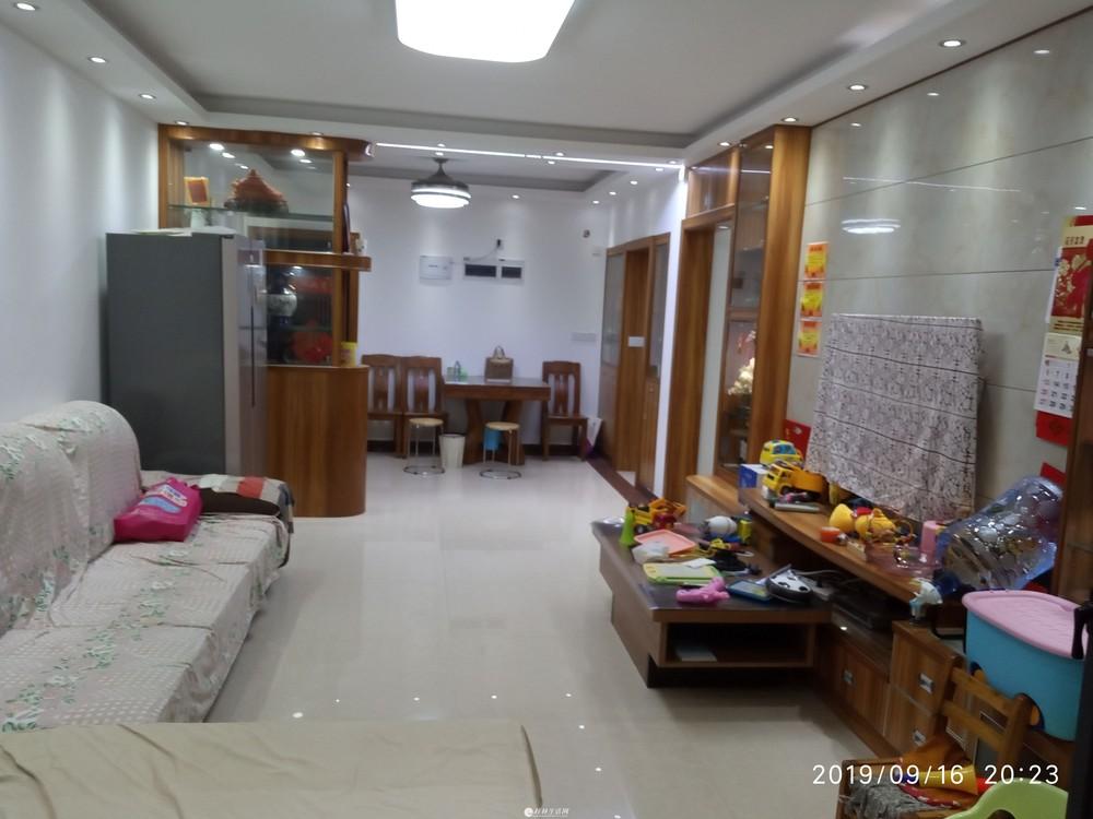 冠泰 水晶城    七星区 3室2厅2卫   100平米 3500元 南北朝向 豪华装修