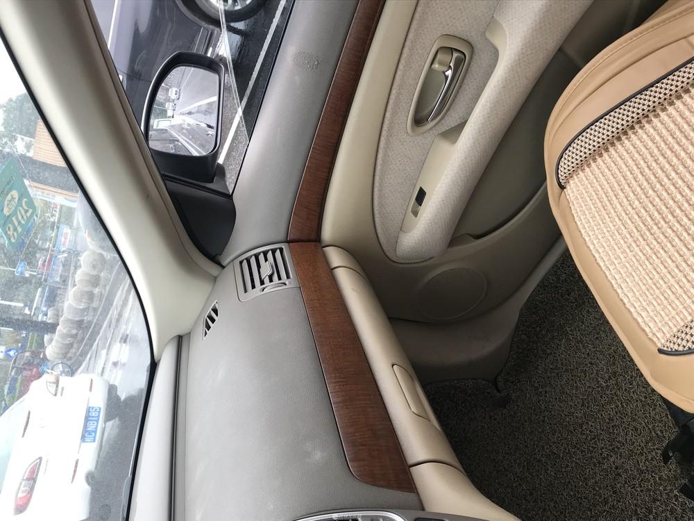 2011款经典日产轩逸自动档轿车转让