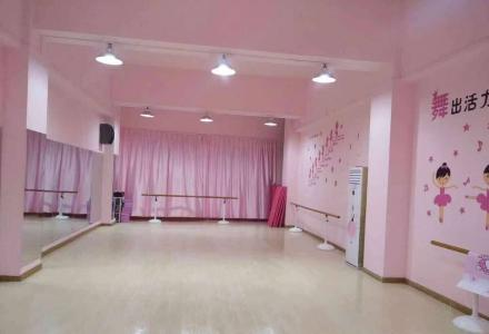 桂林克拉乐舞艺术学校,小班制教学