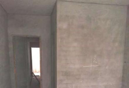 L榕湖学区分校 桃源居旁边 师专宿舍 3楼124平米 毛坯房 只要72万 有车库22平米