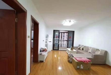 桂林融创万达 3室1厅1卫 100平米 2200元 电梯房 周边实施齐全