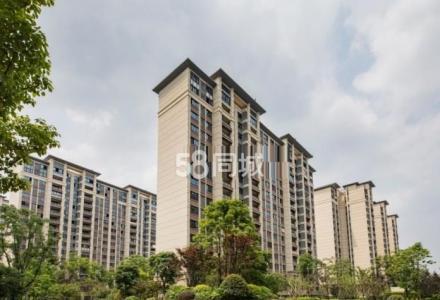 桂林融创万达 2室2厅1卫 75平米 2800元  南北朝向 豪华装修